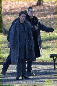 Washington, DC - Matt Damon and Alicia Vikander are on set filming for Bourne 5 at the Capital in Washington DC. AKM-GSI December 4, 2015 To License These Photos, Please Contact : Steve Ginsburg (310) 505-8447 (323) 423-9397 steve@akmgsi.com sales@akmgsi.com or Maria Buda (917) 242-1505 mbuda@akmgsi.com ginsburgspalyinc@gmail.com