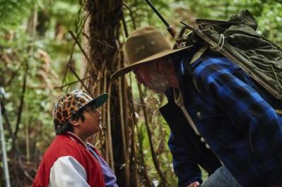 hftwp-ricky-julian-dennison-and-hec-sam-neill-go-head-to-head-in-the-wild-nz-bush-credit-kane-skenner-2