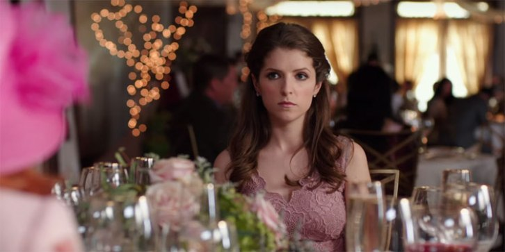 Anna-Kendrick-Table-19