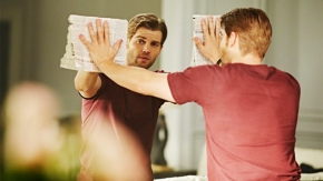 """CHILDHOOD'S END -- """"The Overlords"""" Episode 101 -- Pictured: Mike Vogel as Ricky Stormgren -- (Photo by: Narelle Portanier/Syfy)"""
