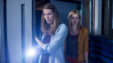 Eve Copeland (Alyssa Sutherland) r tries to protect her daughter Alex (Gus Birney) l safe from the dangers both inside and outside the mall when a mysterious mist arrives in their Maine town in Spike TV's THE MIST, from a story by Stephen King. Episode 3 of THE MIST airs on Thursday, July 6 at 10 pm ET/PT.