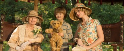 Goodbye-Christopher-Robin spry film review 4