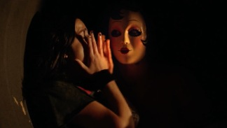 strangers prey at night spry film review 2