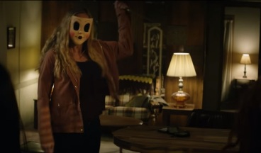 strangers prey at night spry film review 3