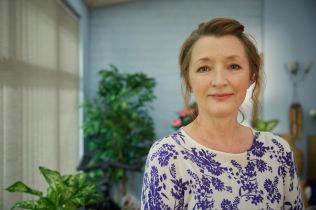 WARNING: Embargoed for publication until 00:00:01 on 13/02/2018 - Programme Name: Mum series 2 - TX: n/a - Episode: Mum series 2 generics (No. n/a) - Picture Shows: Cathy (LESLEY MANVILLE) - (C) Big Talk Productions - Photographer: Robert Viglasky