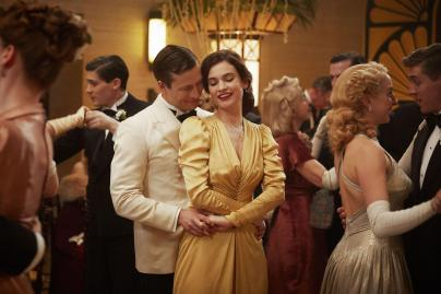 Guernsey Literary and Potato Peel Pie Society spry film review 4